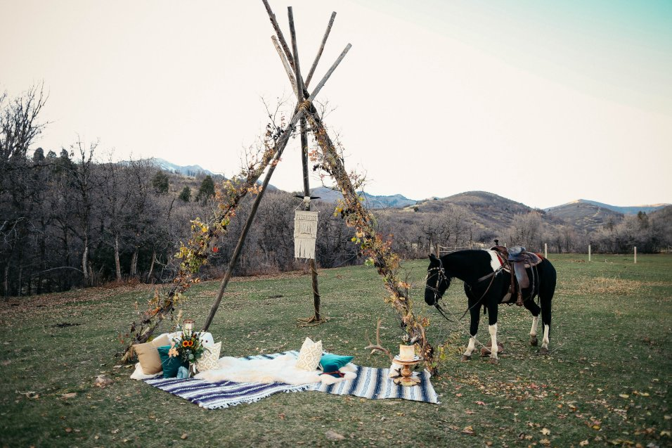 View More: http://ashleyhawkesphotography.pass.us/bohoemianharvestranchstyledwedding